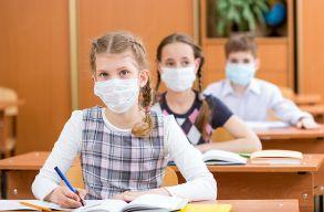 Jövõ héten újra iskolapadba kerül a diákok egy része, de a minisztériumnak még nem sikerült maszkokat szerezni nekik