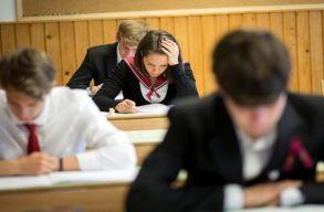 Nagyobb volt az átmenési arány a koronavírus-járvány alatt érettségizõ magyar diákoknál, mint a tavaly