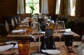 Orban a beltéri éttermek újranyitásáról: Még várunk a döntéssel