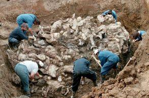 A koronavírus árnyékában emlékeznek a srebrenicai mészárlásra