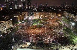 Több ezren tüntettek Izraelben a kormány járványügyi intézkedései miatt