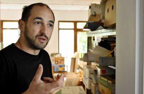 """""""Nem egy laborszerû konyhát hoztam létre, hanem egy közösségi teret, ahol fõzni tanulunk"""""""