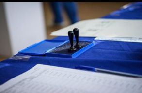 15 nemzetközi megfigyelõt akkreditáltak a vasárnapi helyhatósági választásokra