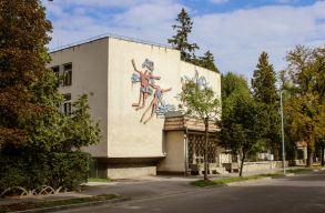 Újabb iskolákban korlátozzák a hagyományos oktatást Kovászna és Arad megyében