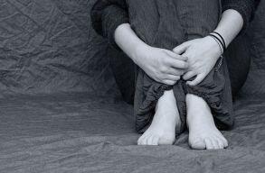 Egy tanár többszörösen diszkriminatív volt egy roma diáklánnyal, a CNCD megbüntette