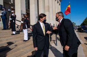Románia és az USA közös védelmi célkitûzéseit rögzítõ dokumentumot írtak alá