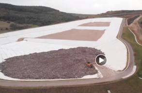 Feljelentést tesznek a civilek, akik szerint rosszul használják az új Kolozs megyei hulladéklerakatot