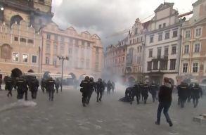 Könnygázzal és vízágyúval oszlatták a maszkellenes tüntetõket Prágában