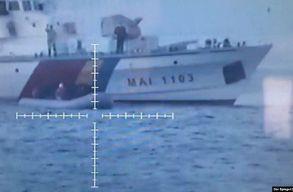 Román hajókat filmeztek le, ahogy a Frontex kötelékében szolgálva menekültek életét veszélyeztetik