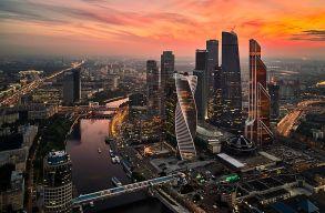 Moszkvában novemberben elkezdõdik a tömeges, koronavírus elleni oltás