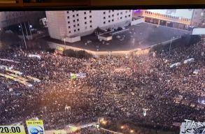 Pénteken is több százezren tüntettek Varsóban az abortusztilalom ellen