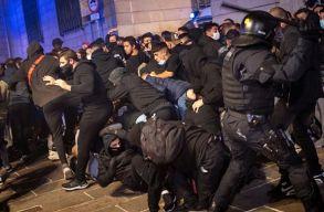 A lezárás ellen tüntettek Barcelonában és számos európai nagyvárosban