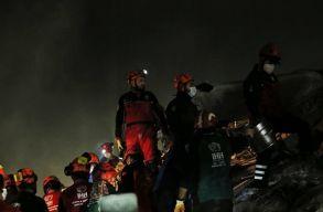 27 halott, több mint 800 sebesült - a törökországi földrengés legfrissebb mérlege