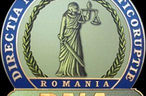 Korrupció és zsarolás vádjával letartoztattak egy szászrégeni rendõrtisztet