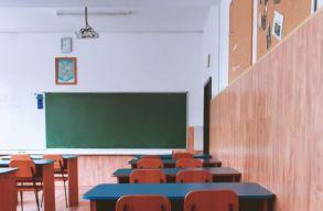Oktatási minisztérium: a járványhelyzettõl függ az iskolai tevékenységek további alakulása