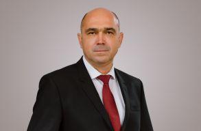 Kolcsár Károly: biztos jövõt a vidéki fiataloknak!
