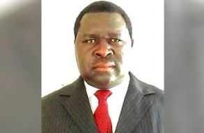 Fölényesen nyert a namíbiai helyhatósági választásokon Hitler. Uunona Adolf Hitler