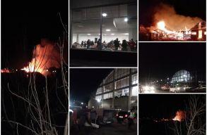 Lángok martaléka lett a csíksomlyói romatelep, a lakókat sportcsarnokokban szállásolták el