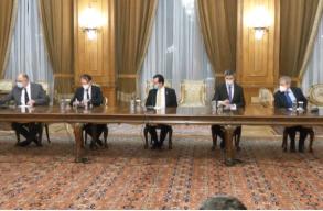 Források: nincs egyetértés a koalíciós partnerek között a prefektusi funkciók elosztásában