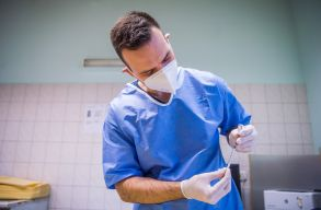 Oltáskampány: elõnyben részesítik az idõseket és betegeket a regisztrációnál