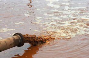 Nemcsak mûanyagszemét úszik le nagy mennyiségben a Szamoson, most már nehézfémszennyezést is jeleztek (frissítve)