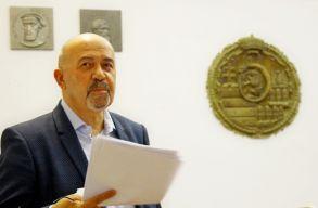 Életmûdíjat kapott Markó Béla a Magyar Újságírók Országos Szövetségétõl