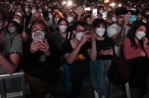 Tesztkoncert Barcelonában: 5000 ember csápolt ismét együtt! (Videó)