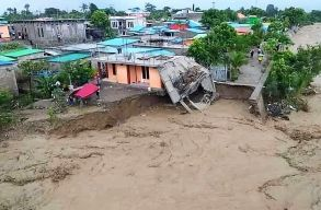 Több tucatnyi halott, több tízezer hajléktalan: trópusi vihar csapott le Indonéziára és Kelet-Timorra