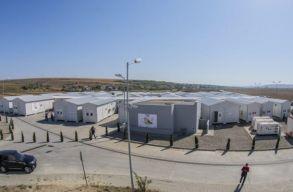 Eurómilliókból épített mobil Covid-kórházak használatlanul állnak Iasi és Bákó megyében