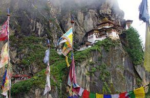 Bhután csodája: 16 nap alatt beoltották a felnõtt lakosság 93%-át