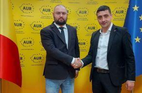 AUR: két USR-alapító iratkozott be a pártunkba