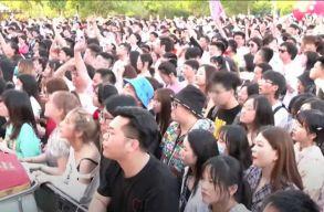 Vuhanban már nincs fertõzött: maszk nélkül bulizhattak a hétvégi fesztiválon a fiatalok