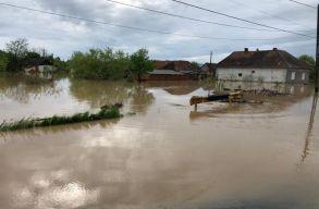Árvíz Szatmár megyében: 150 személy kényszerült ideiglenesen a szakaszi kultúrotthonba