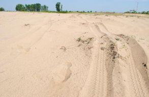 """Az """"olténiai Szaharából"""" közvetítenek drónos tanórát a diákoknak arról, hogy mit lehet tenni az elsivatagosodás ellen"""