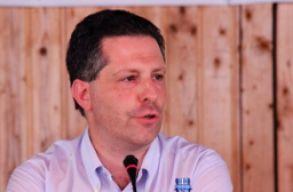 Schiffer: a korm�ny �s a minisztereln�k fejezze be a kett�s besz�det!