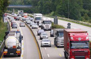 Hamarosan leáldozhat a dízel- és benzinmotoros autók korszaka az EU-ban