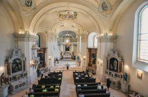 Bámulatos átalakuláson ment keresztül a szamosújvári ferences templom és kolostor