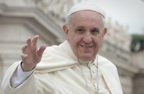 Ferenc pápa egyelõre kórházban marad