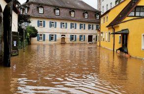 Ciklon, özönvíz, földcsuszamlások Németországban