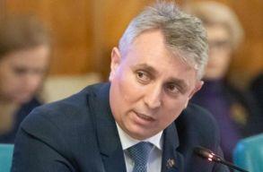 Belügyminiszter: ne számítsunk augusztustól lazításokra, a beltéri maszkviselés is kötelezõ marad