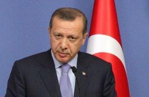 """Erdogan: Törökországnak nem kötelessége Európa """"migránsraktárává"""" válni"""