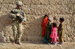 Eddig több mint 37 000 embert evakuáltak az amerikaiak Afganisztánból