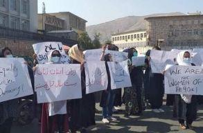 Jogaikért tüntettek a nõk Kabulban, a tálibok erõszakosan léptek fel ellenük