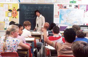 Közel 3 millió óvodás és iskolás kezdi ma a tanévet