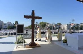 Külföldi lapszemle: ilyennek látták Amerikából és Nyugat-Európából a pápa budapesti látogatását