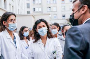 Franciaországban közel háromezer egészségügyi alkalmazottat bocsátottak el ideiglenesen, mert nem kértek a védõoltásokból