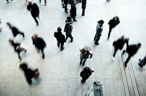 Hány évig él egy romániai polgár? Mik a kilátásaink a jövõre? És milyen hatással van erre a járvány?