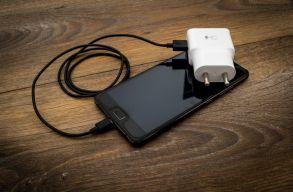 Kötelezõ lesz az EU-ban az USB-C töltõk használata, hogy csökkentsék az e-hulladék mennyiségét