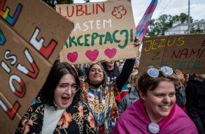 A lublini Pride-felvonulás szervezõi beperelték a konzervatív politikust, aki szerint a menet elõsegíti a pedofíliát