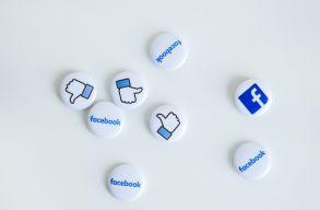 Felmérés: a romániai internetezõ városiak 93 százalékának van Facebook-fiókja